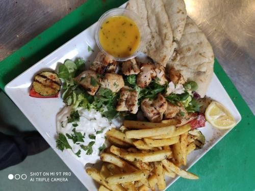 CHICKEN-SOUVLAKI-2-Medium-rotated