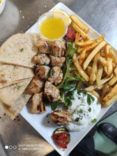 CHICKEN-SOUVLAKI-Medium-rotated